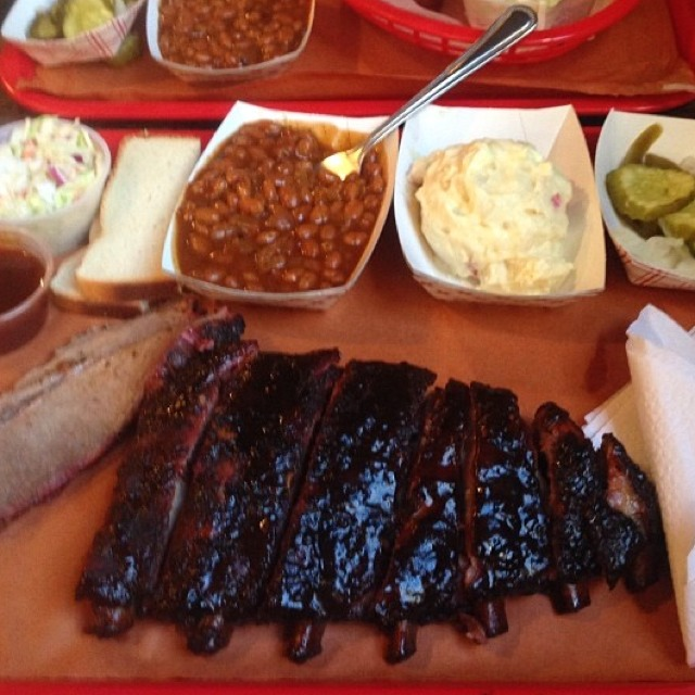 St Louis Ribs at Mable's Smokehouse & Banquet Hall on #foodmento http://foodmento.com/place/2803