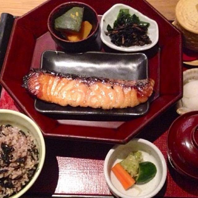 Grilled Salmon Saikyo (Salmon In Saikyo Miso) at Ootoya on #foodmento http://foodmento.com/place/2993