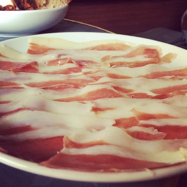 Olli ham (Virginia) at Estela on #foodmento http://foodmento.com/place/3090