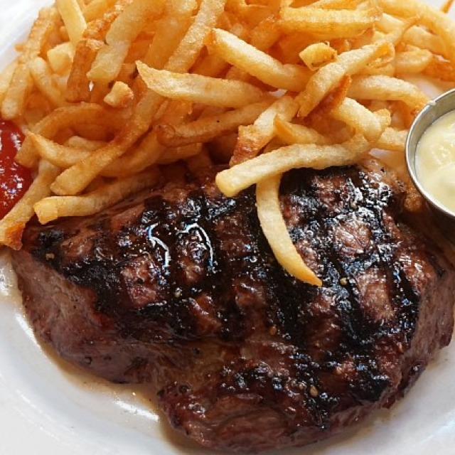 Steak Frites at Balthazar on #foodmento http://foodmento.com/place/425