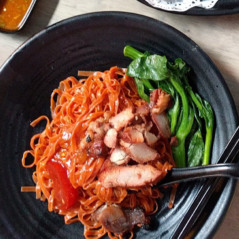 Char Siu Dumpling Tomate Noodles  at Wong Kee Wanton Noodles & Roasted Delights on #foodmento http://foodmento.com/place/11000