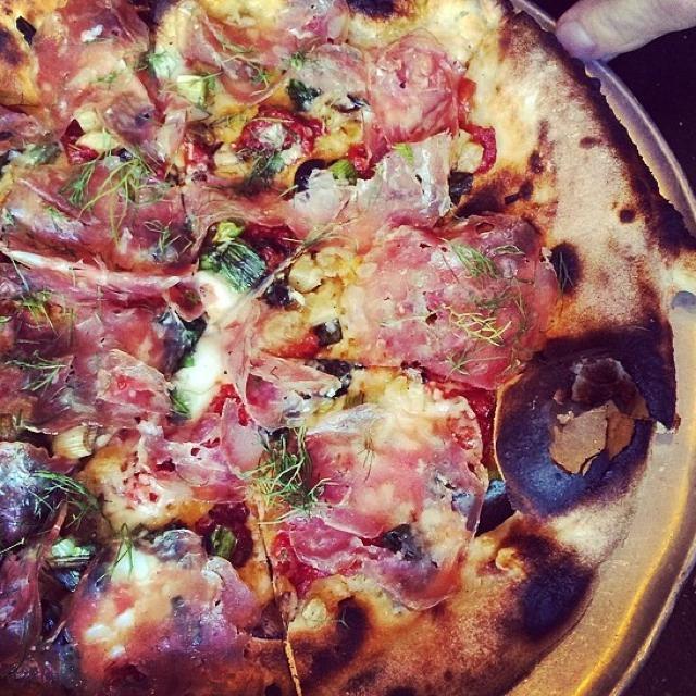 Pizza (Spicy Fennel Salami, Caramelized Fennel, Confit Tomato...) at Gjelina on #foodmento http://foodmento.com/place/2739