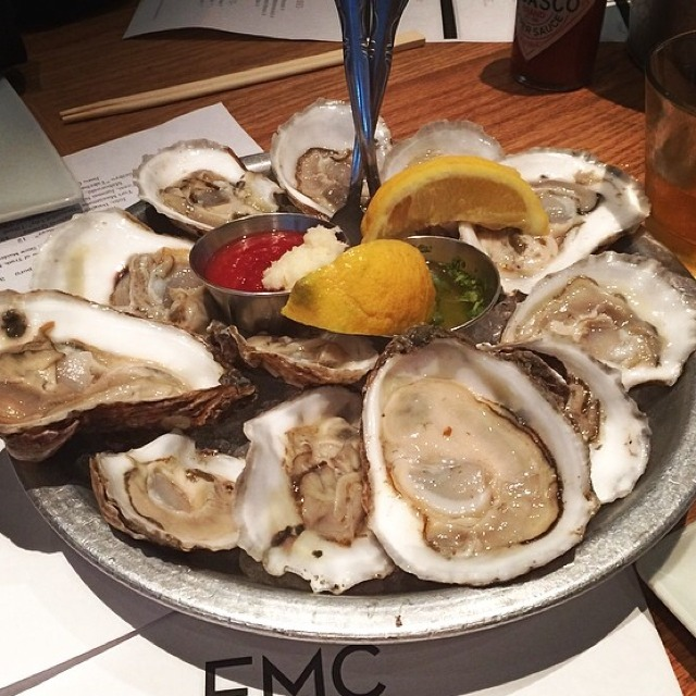 Oyster Happy Hour at EMC Seafood And Raw Bar on #foodmento http://foodmento.com/place/2753