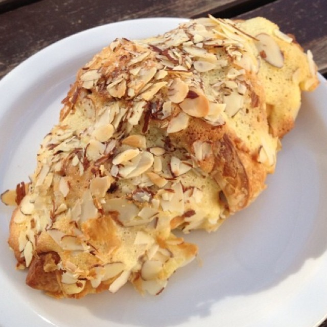 Almond Croissant at Amandine Patisserie on #foodmento http://foodmento.com/place/2755