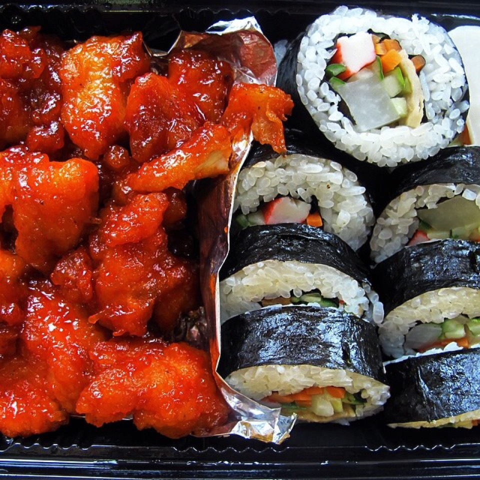 Spicy Boneless Chicken & Kimbap at Woorijip on #foodmento http://foodmento.com/place/1171