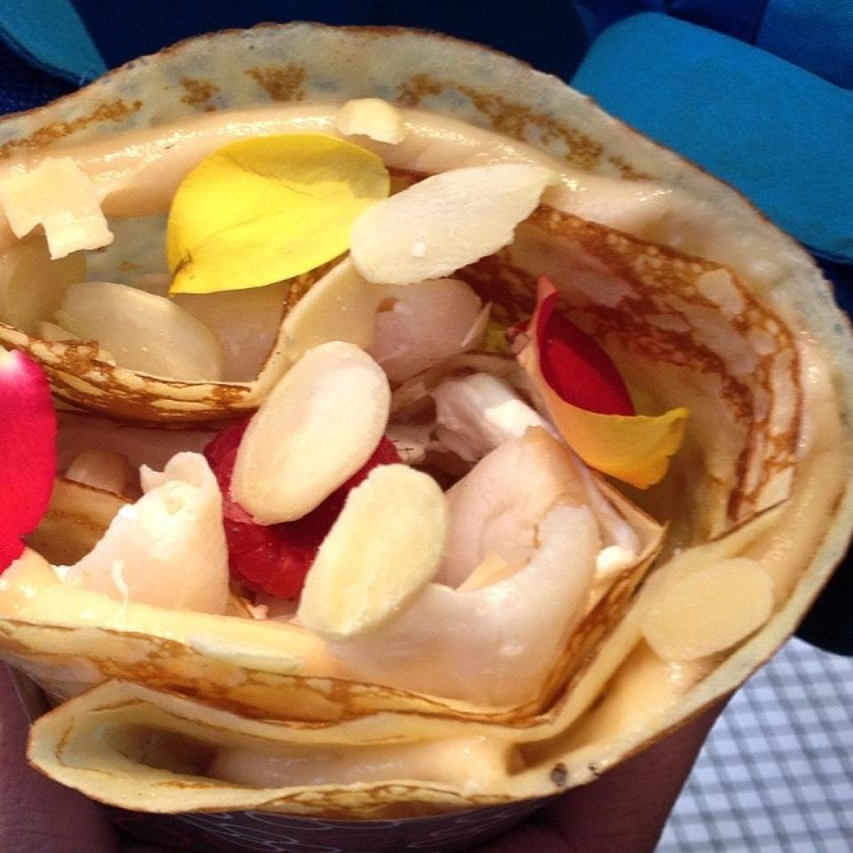 Lychee Valentine Crepe on #foodmento http://foodmento.com/dish/11575