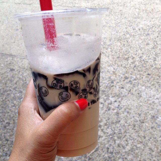 Jasmine Milk Tea With Bubbles on #foodmento http://foodmento.com/dish/16990