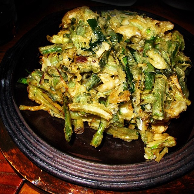 Scallion Pancake W. Local Squid (Pajeon / Pajun) on #foodmento http://foodmento.com/dish/17041