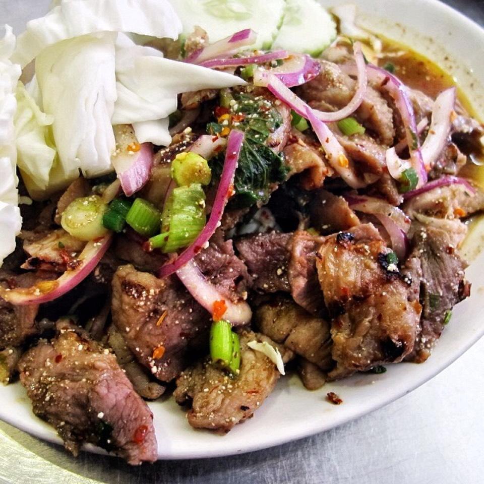 Namtok Salad (Grilled Pork, Spicy Mix) on #foodmento http://foodmento.com/dish/20496