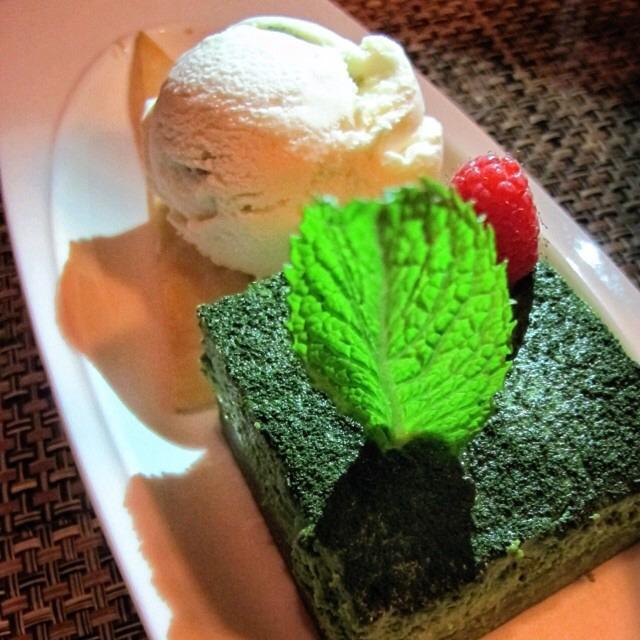 Green Tea Tiramisu, Vanilla Ice Cream on #foodmento http://foodmento.com/dish/17148