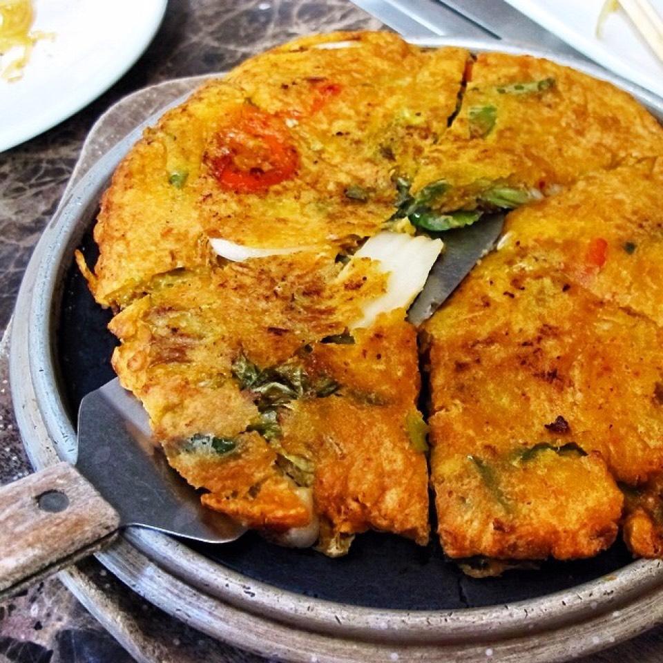 Pa Jun Kimchi (Pancake) on #foodmento http://foodmento.com/dish/20584