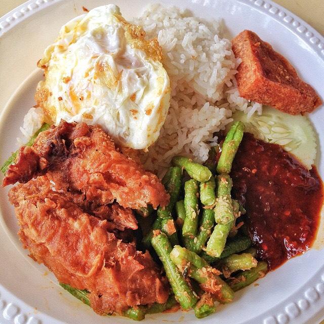 Nasi Lemak at Hon Ni Kitchen on #foodmento http://foodmento.com/place/4286