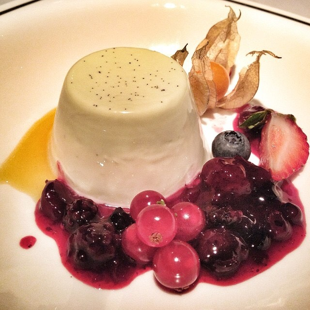 Mint Vanilla Panna Cotta, Berries at Alkaff Mansion Ristorante on #foodmento http://foodmento.com/place/4290