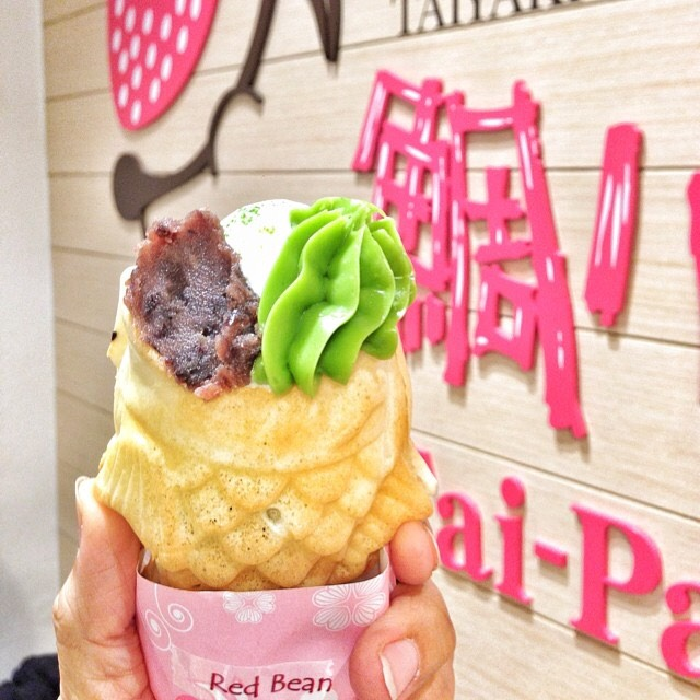 Taiyaki (Fish Shaped Pancake With Matcha & Azuki) at Tai-Parfait on #foodmento http://foodmento.com/place/4313