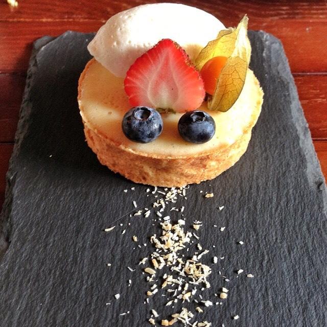 Mojito Tart (Coconut Pastry, Lemon Lime Cream, Meringue) at Seasons Bistro on #foodmento http://foodmento.com/place/4319