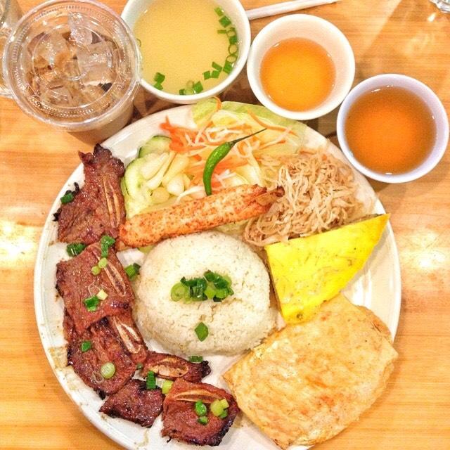 Beef Short Ribs at Cơm Tấm Thiên Hương on #foodmento http://foodmento.com/place/4365
