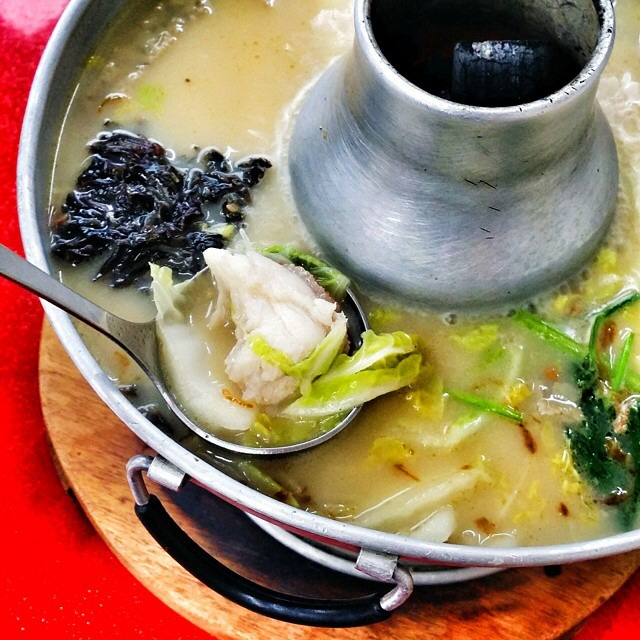 Sliced Fish Steamboat at Whampoa Keng Fish Head Steamboat Restaurant on #foodmento http://foodmento.com/place/2031
