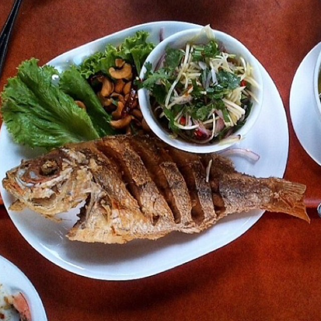 Fried Fish - Fried Plate at SriPraPhai Thai Restaurant on #foodmento http://foodmento.com/place/383
