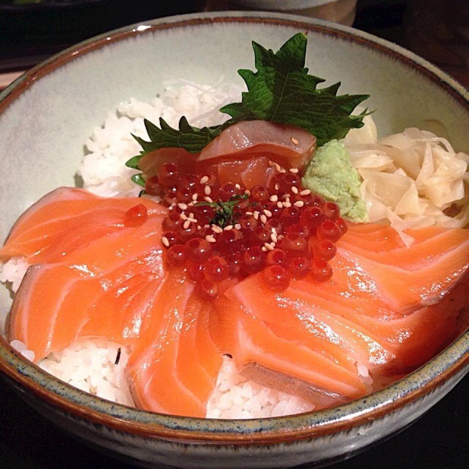 Sake Ikura Don - Donburi at Sakagura on #foodmento http://foodmento.com/place/2510