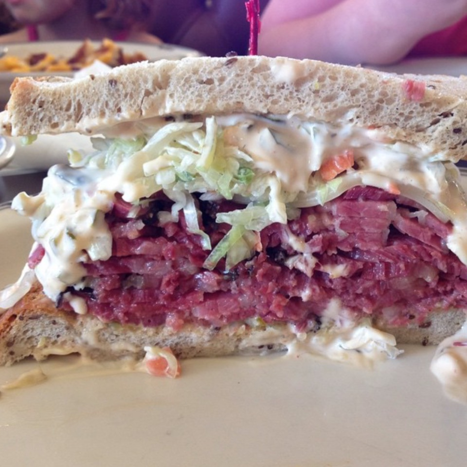 Hot Pastrami Sandwich at Langer's Delicatessen-Restaurant on #foodmento http://foodmento.com/place/7770