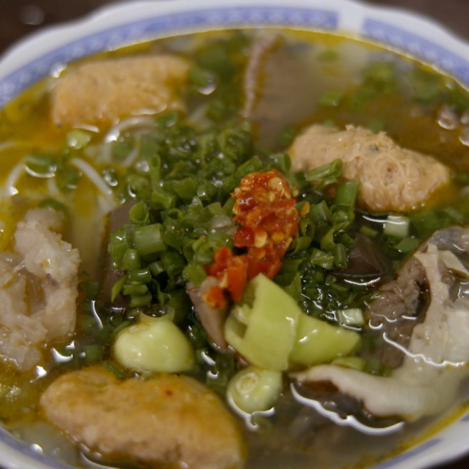 Bun Bo Hue (Noodles In Lemongrass, Offal, Spicy Sauce...) at Chợ Đông Ba (Dong Ba Market) on #foodmento http://foodmento.com/place/4920