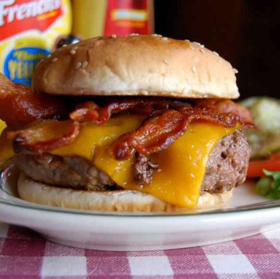 Bacon & Cheddar Burger at Bill's Bar & Burger on #foodmento http://foodmento.com/place/4110