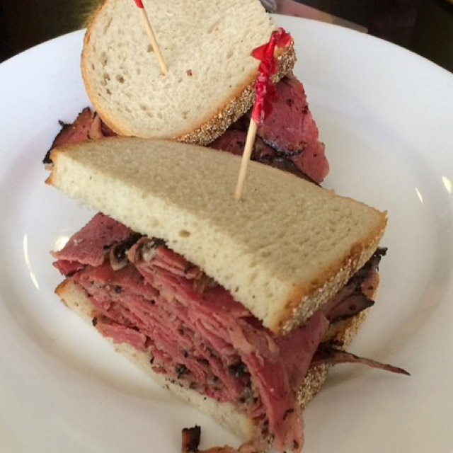 Pastrami Sandwich at Jay and Lloyd's Kosher Deli and Family Restaurant on #foodmento http://foodmento.com/place/4882