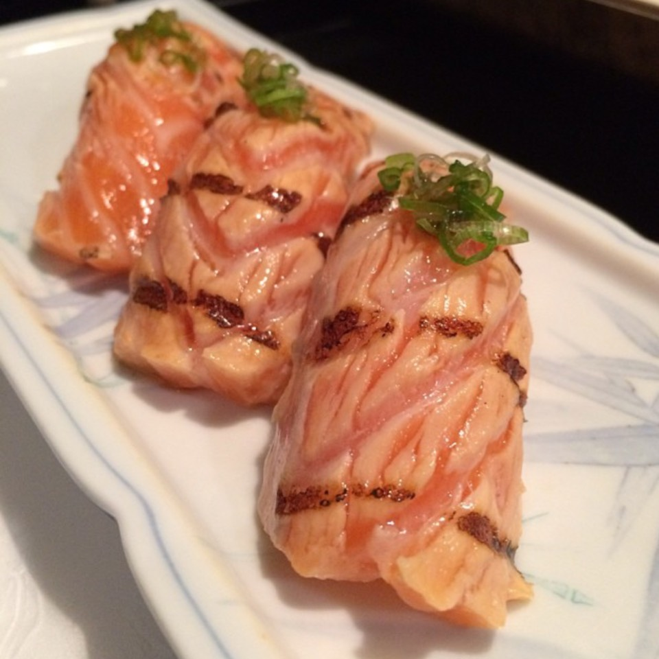 Seared Salmon Right Away at Sushi Ike on #foodmento http://foodmento.com/place/8566