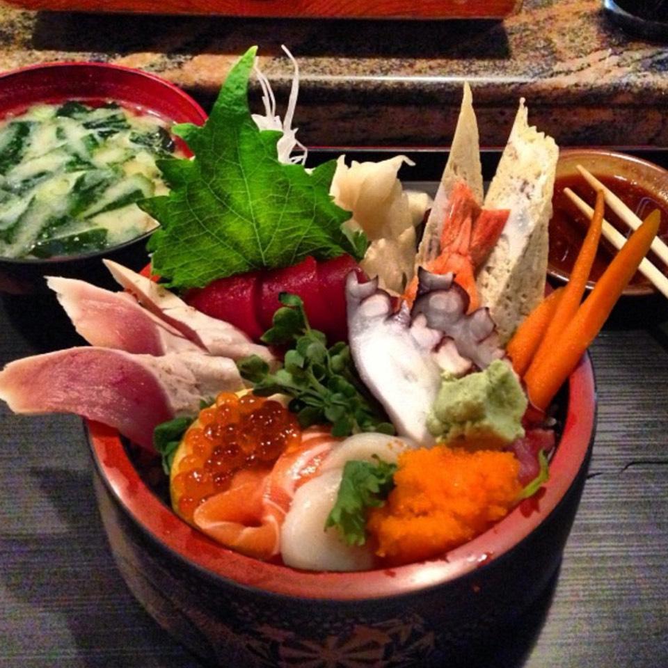 Chirashi Sushi Bowl at Sushi Ike on #foodmento http://foodmento.com/place/8566