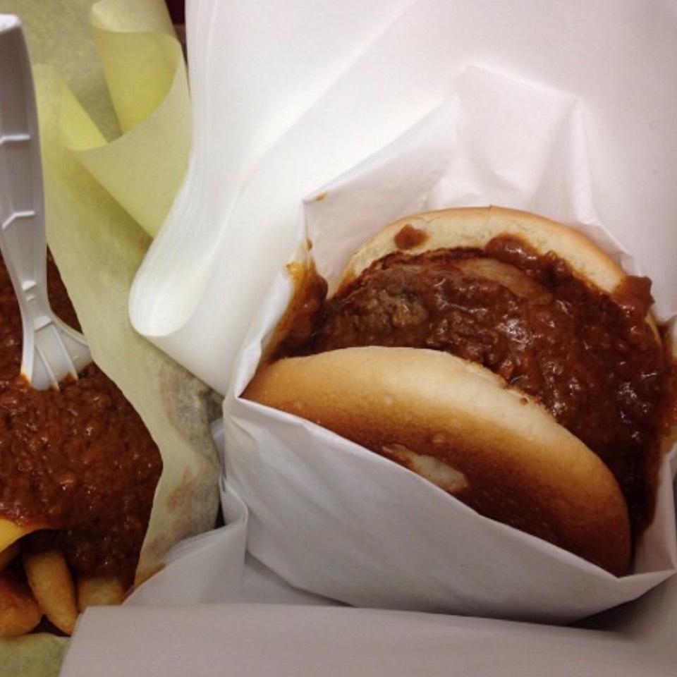 Chili Cheeseburger at Original Tommy's Hamburgers on #foodmento http://foodmento.com/place/8588