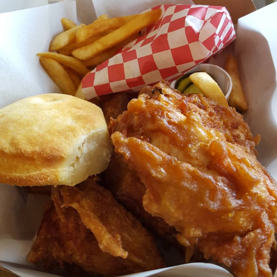 Fried Chicken at Honey's Kettle Fried Chicken on #foodmento http://foodmento.com/place/8590