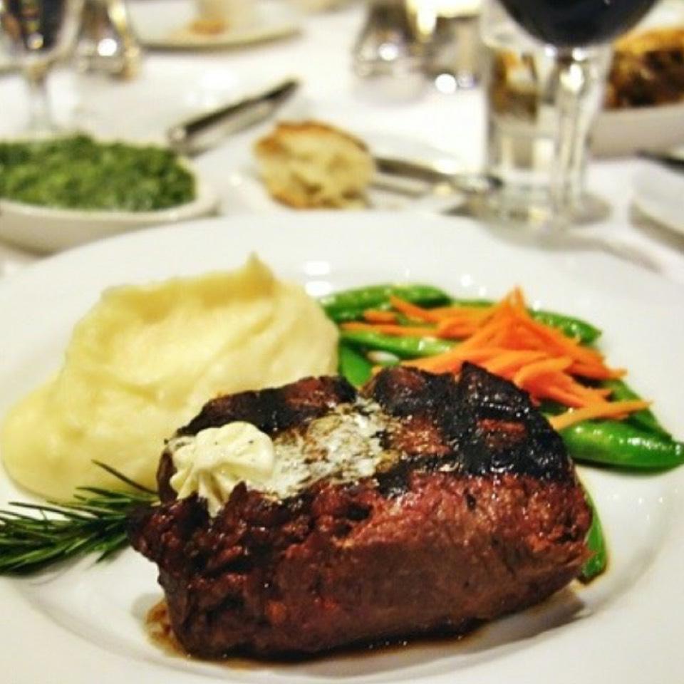 Filet Mignon at Harris' Restaurant on #foodmento http://foodmento.com/place/6664