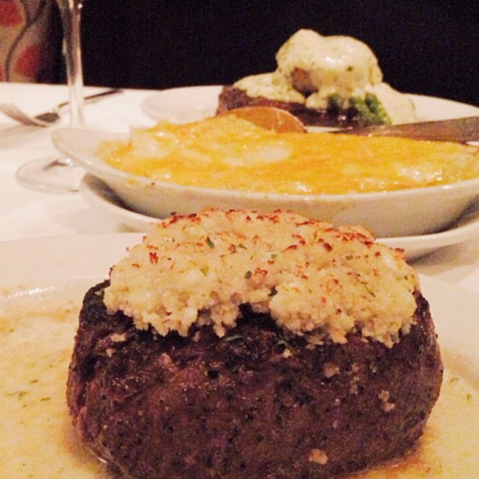 Petite Filet - Signature Steaks at Ruth's Chris Steak House on #foodmento http://foodmento.com/place/6665