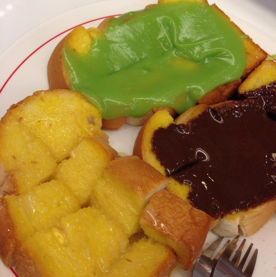 Assorted Toast at มนต์นมสด (Mont Nom Sod) on #foodmento http://foodmento.com/place/8613