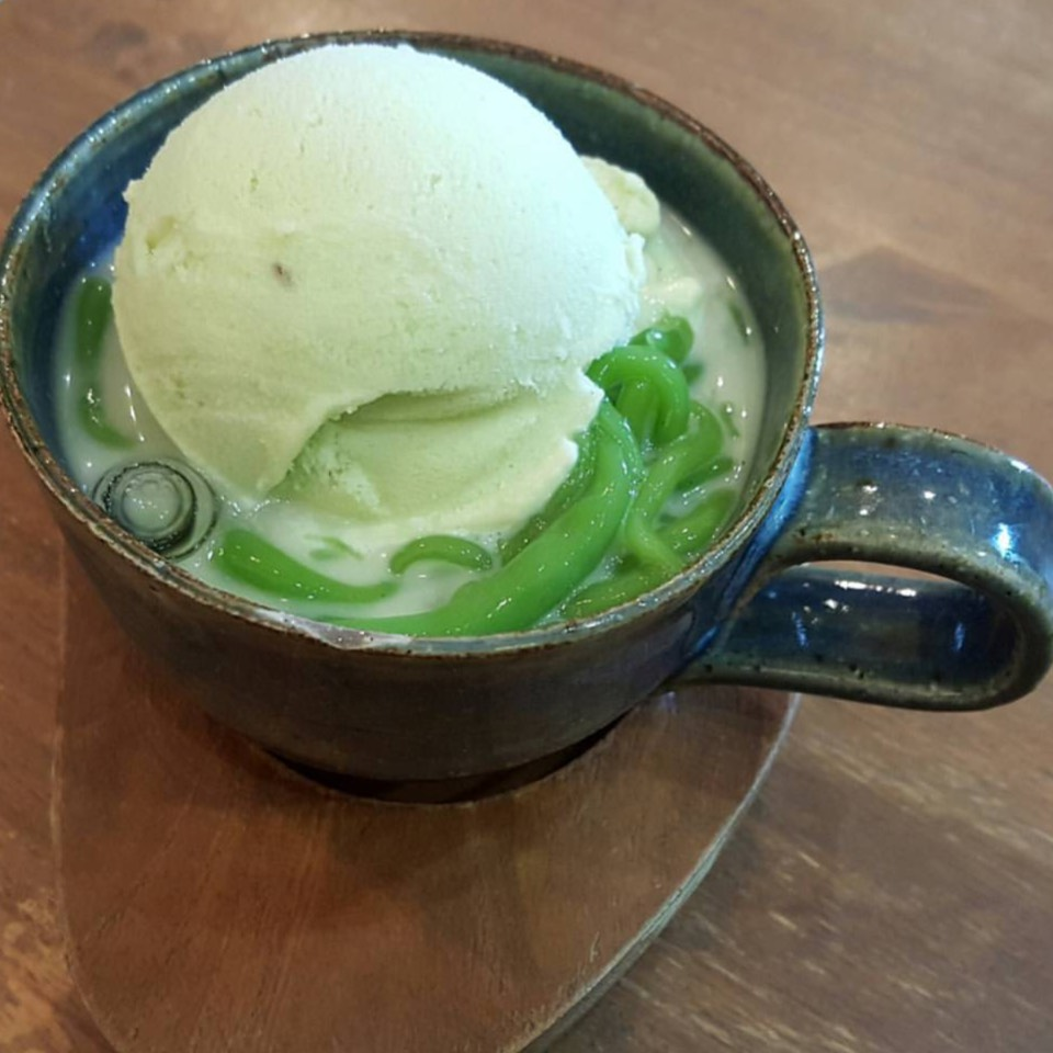 Lod Chong (Chendol) With Ice Cream at FARM to TABLE (ฟาร์มทูเทเบิล) on #foodmento http://foodmento.com/place/8622