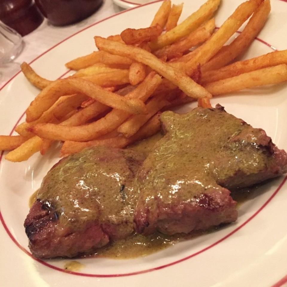 Steak Frites  from Le Relais de l'Entrecôte on #foodmento http://foodmento.com/dish/21979