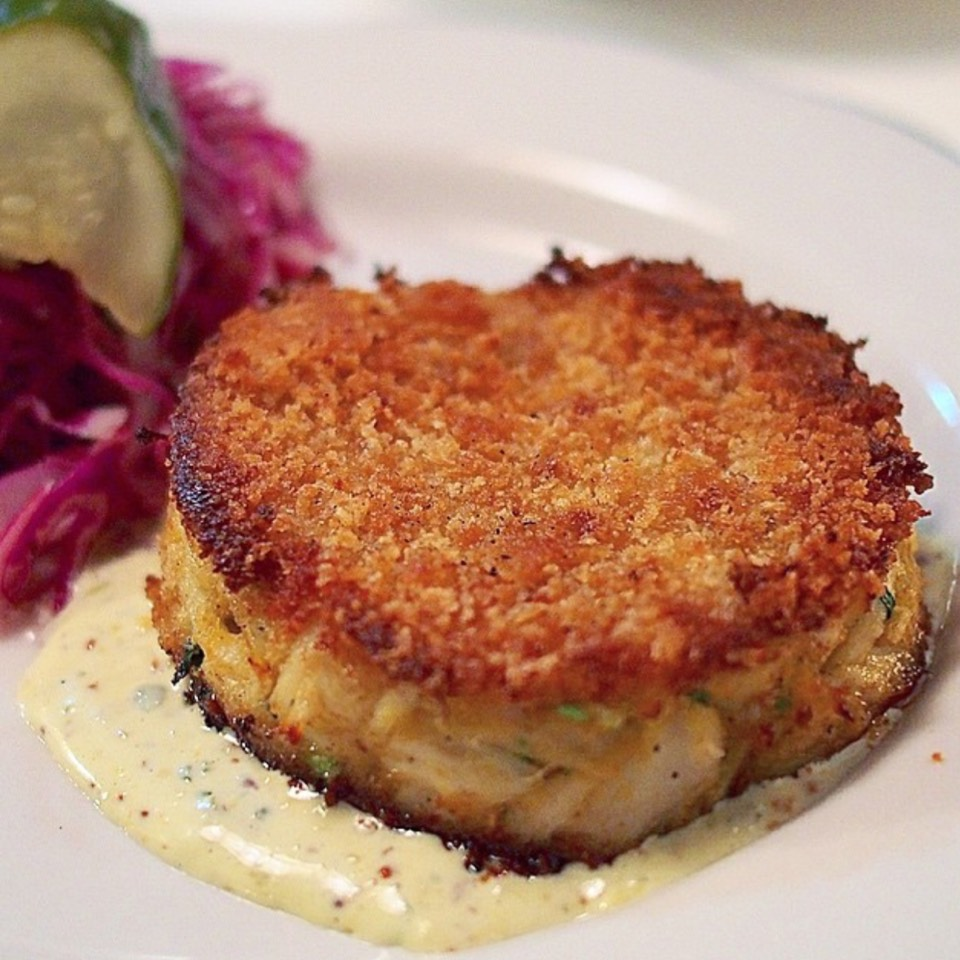 Maryland Blue Crab Cake at Fishing with Dynamite on #foodmento http://foodmento.com/place/4198
