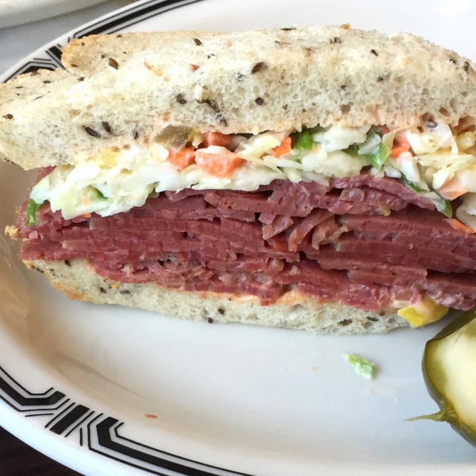 Pastrami & Corned Beef Sandwich #54 at Langer's Delicatessen-Restaurant on #foodmento http://foodmento.com/place/7770