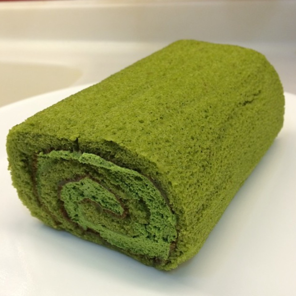 Matcha Roll Cake at Cha-no-wa 茶の環 on #foodmento http://foodmento.com/place/4893