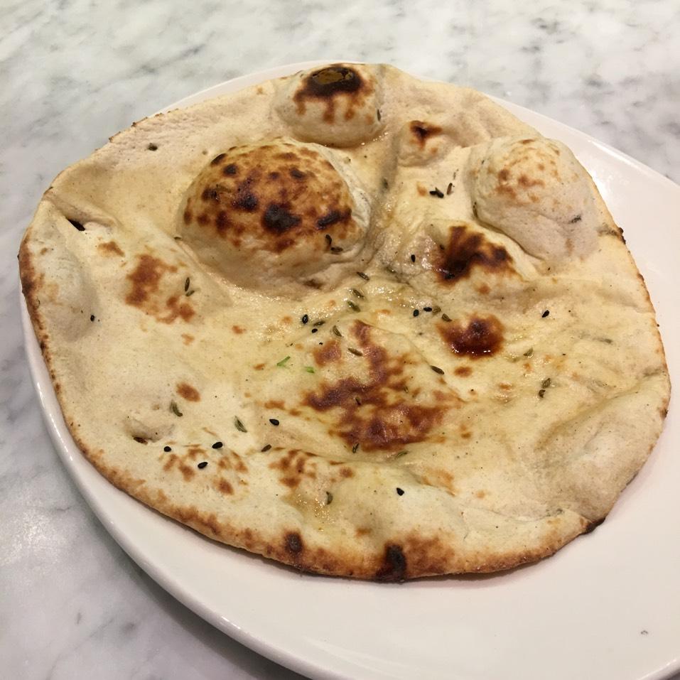Garlic Naan at Pondicheri on #foodmento http://foodmento.com/place/10701