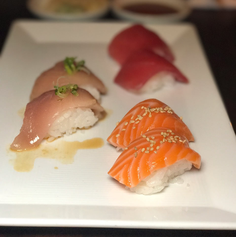 Trust Me Omakase at SUGARFISH on #foodmento http://foodmento.com/place/10898