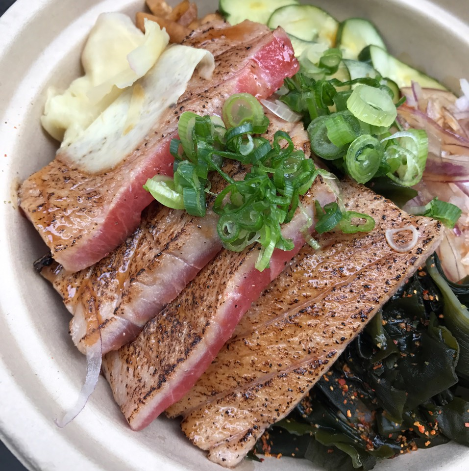 Seared Toro Bowl at Maui Onion on #foodmento http://foodmento.com/place/10964