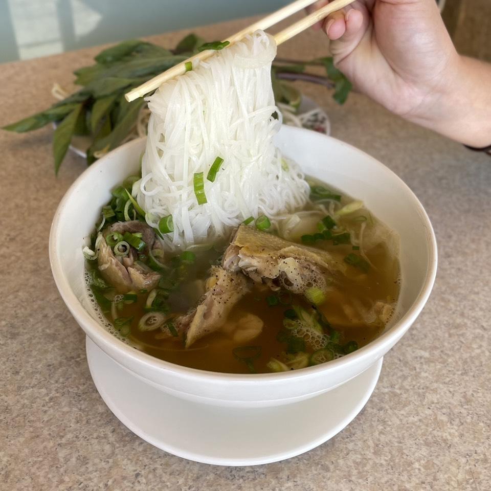 Pho Ga Di Bo (Chicken) at Pho Nguyen Hue on #foodmento http://foodmento.com/place/11142