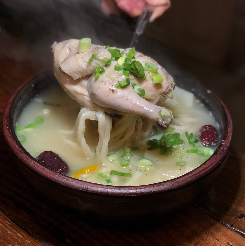 Chicken Kalguksu at Hangari Bajirak Kalguksoo on #foodmento http://foodmento.com/place/11182