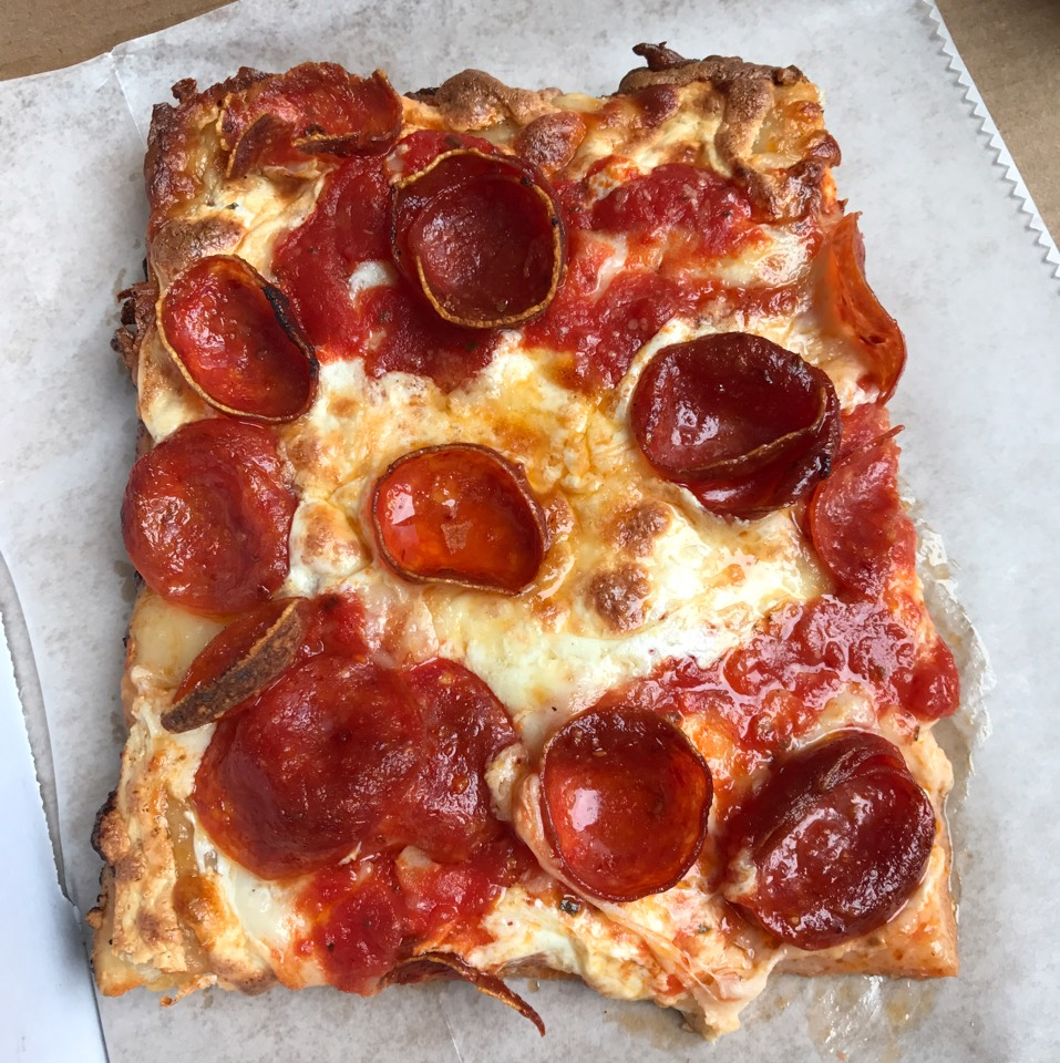 Pepperoni Pizza at Harry's Italian Pizza Bar on #foodmento http://foodmento.com/place/11273