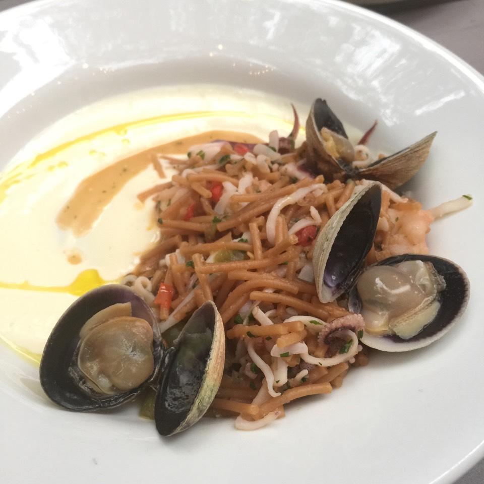 Seafood Fideua (Valencia Style Noodle Paella) at La Vara on #foodmento http://foodmento.com/place/1149