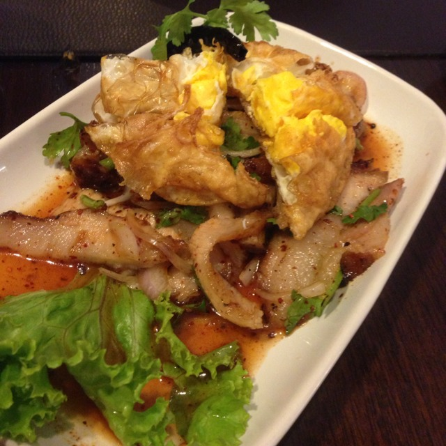 Yum Grilled Pork with Fried Egg (Salad) at ตะลิงปลิง (Taling Pling) on #foodmento http://foodmento.com/place/1225