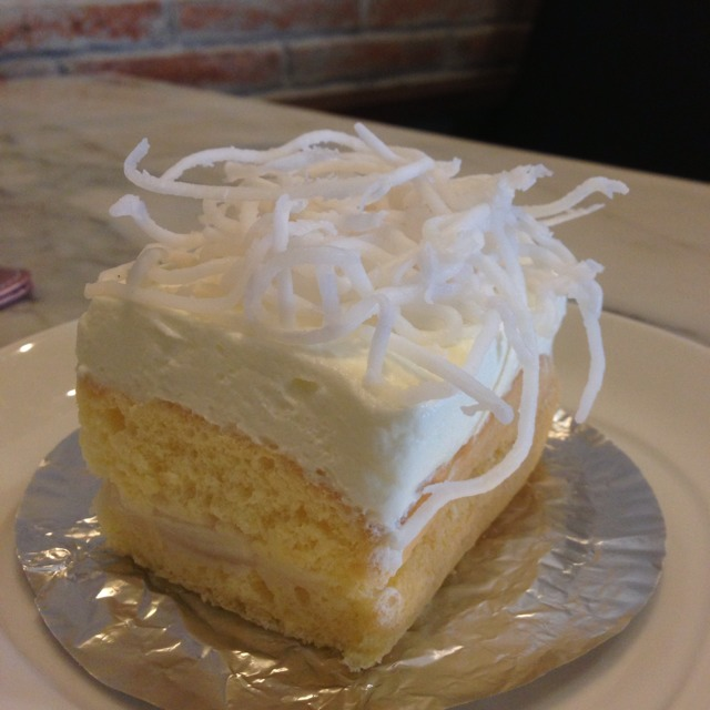 Coconut Cake at ครัวดอกไม้ขาว (The White Flower) on #foodmento http://foodmento.com/place/1226