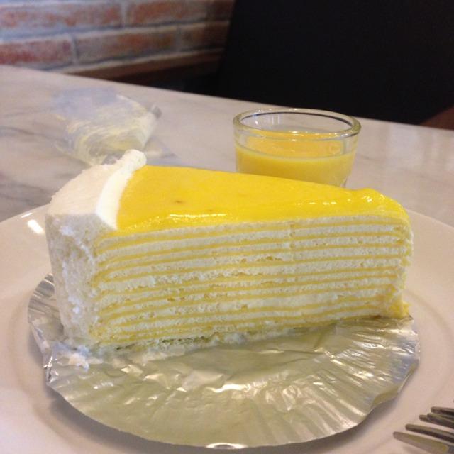 Lemon Crepe Cake at ครัวดอกไม้ขาว (The White Flower) on #foodmento http://foodmento.com/place/1226