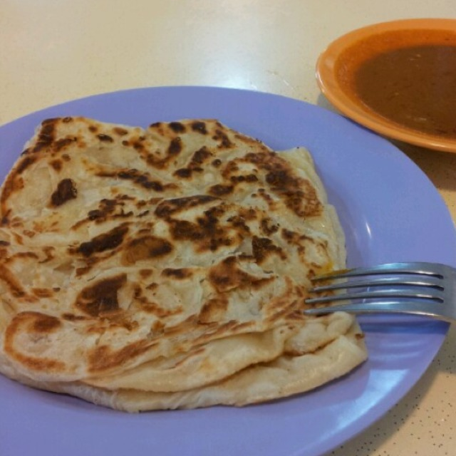 Roti Prata at Sin Ming Roti Prata (Faisal & Aziz Curry Muslim Food) on #foodmento http://foodmento.com/place/1228